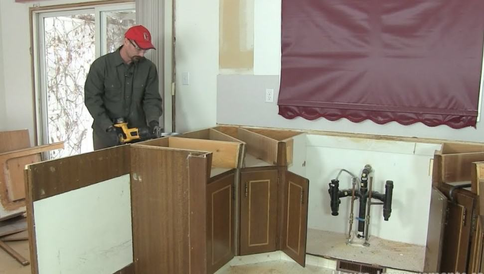 How to Remove Kitchen Cabinets